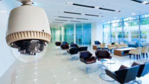 ¿Se pueden usar cámaras para vigilar a los empleados?